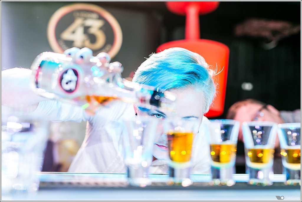 Licor43 shot competition